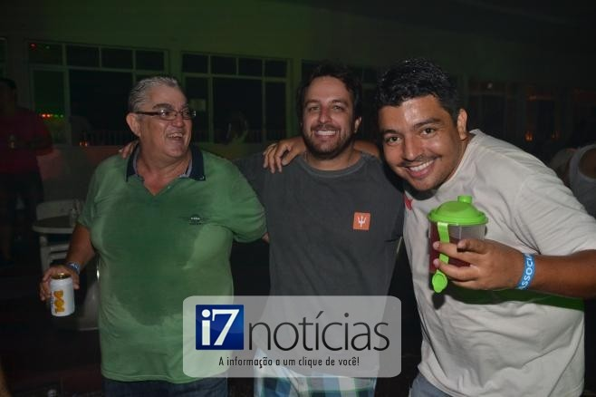 RETROSPECTIVA - 03/03/2014 - Foliões se divertem no Carnaval do PTC