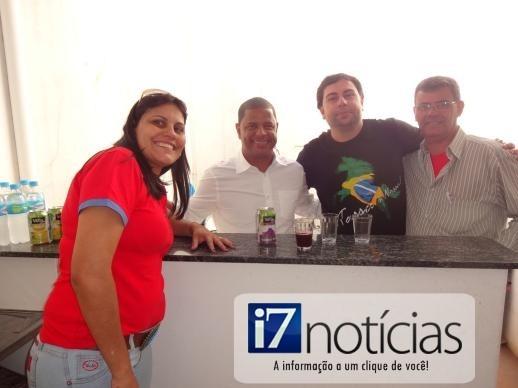 RETROSPECTIVA - 02/062014 - Marcelinho Carioca visita a Central Esportes