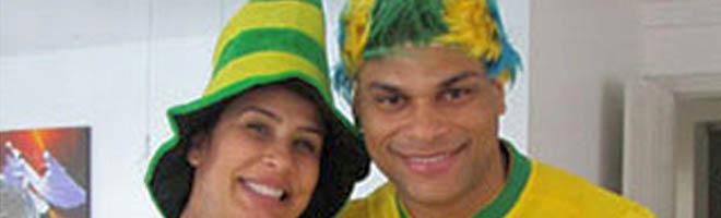 Prestes a dar à luz, Scheila Carvalho posta foto do barrigão em blog
