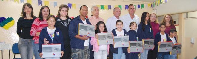 "Inaugurada a primeira sala do Projeto Mind Lab na Escola Municipal ""Helena Wirgues"""