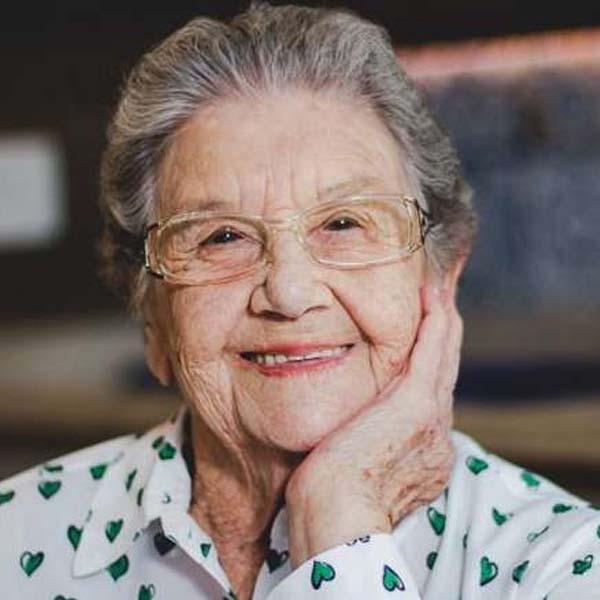 Aos 87 anos, Palmirinha Onofre é contratada pela Globo