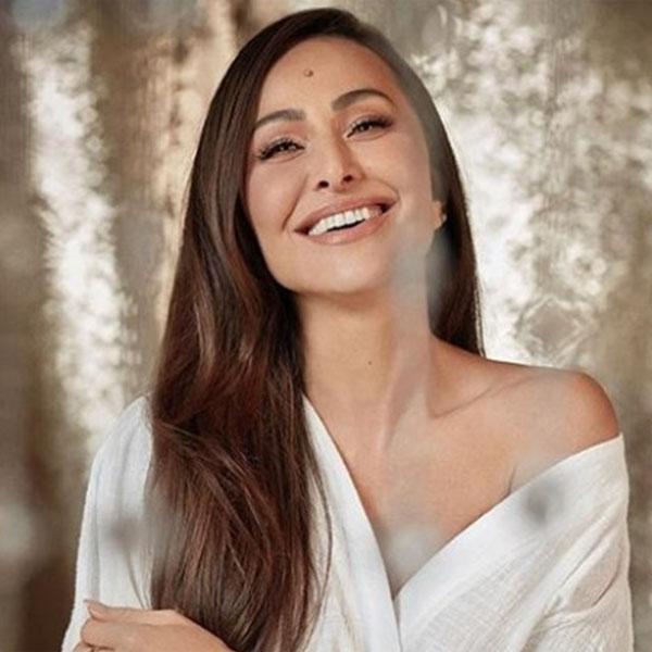 Sabrina Sato é a escolhida para o lugar de Geraldo Luís na RecordTV