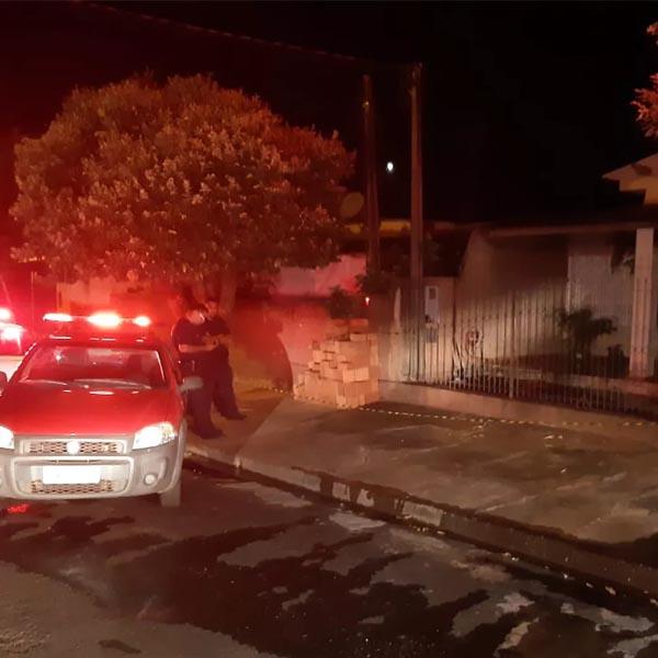 PM aposentado é suspeito de incendiar residência com duas mulheres dentro, em Martinópolis