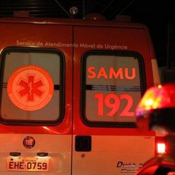 Dois jovens ficam feridos após pneu da moto furar em rodovia de Assis