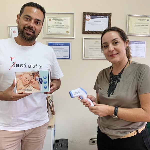 ACE faz doação de dois termômetros infravermelhos ao Departamento de Saúde
