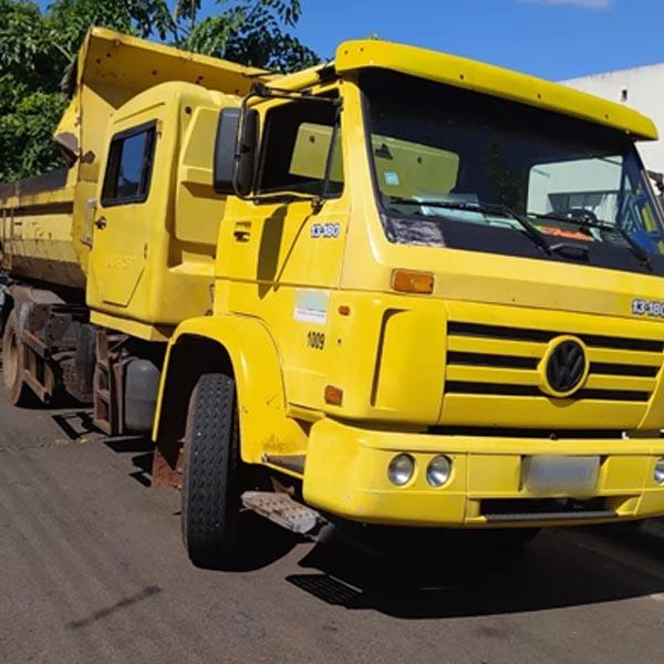 Carga de maconha escondida em caminhão de empresa é apreendida em rodovia de Assis
