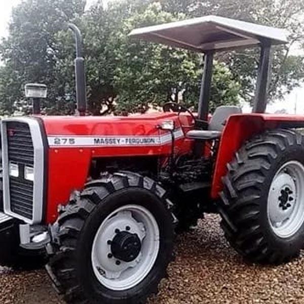 Trator é furtado de fazenda no distrito de Roseta