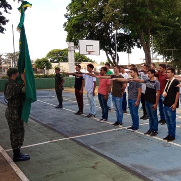 Tiro de Guerra realiza cerimônia de entrega dos Certificados de Dispensa de Incorporação