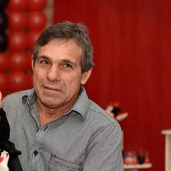 Zezinho Pereira recebe os parabéns pelo seu aniversário