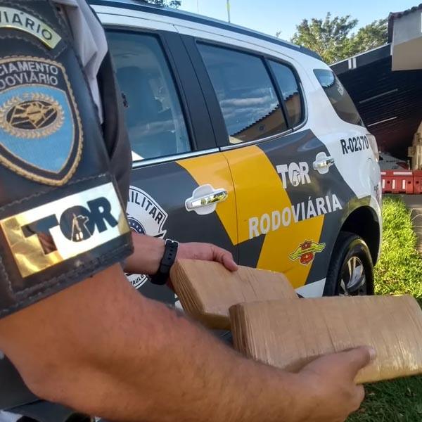 Polícia Rodoviária apreende tabletes de maconha em banheiro de ônibus em Assis