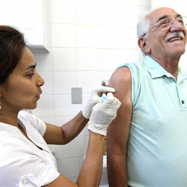 Mais um lote de vacina contra a gripe, para idosos, chega em Paraguaçu