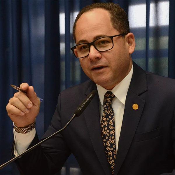 Prefeitura de Quatá emite alerta sobre deputado federal que testou positivo e esteve na cidade