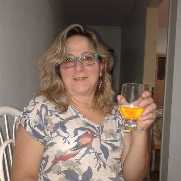 Antonieta Plazza apaga velinhas nesta quarta