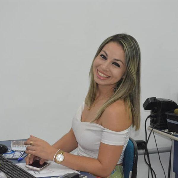 Camila Acorse completa idade nova