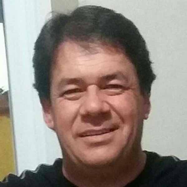 Milton Roça Junior esta comemorando mais um aniversário