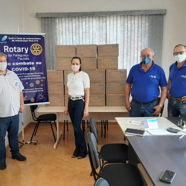 Rotary Club de Paraguaçu Paulista doa 9 mil pares de luvas para a Santa Casa