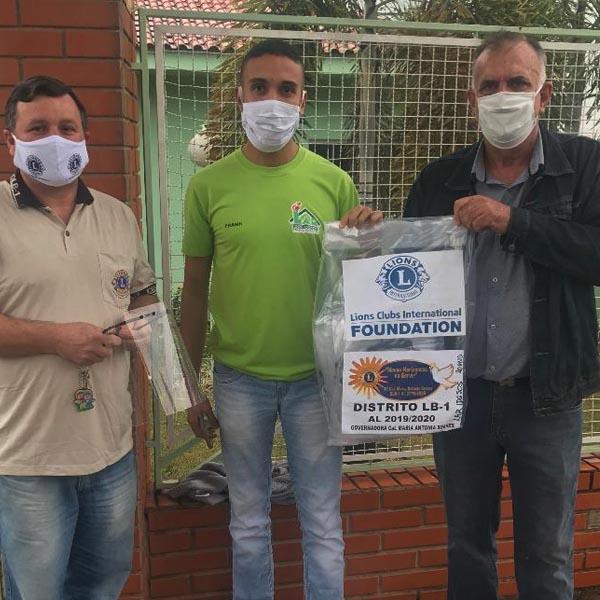 Paraguaçu Paulista é beneficiada com protetores faciais doados pelo Lions Clube