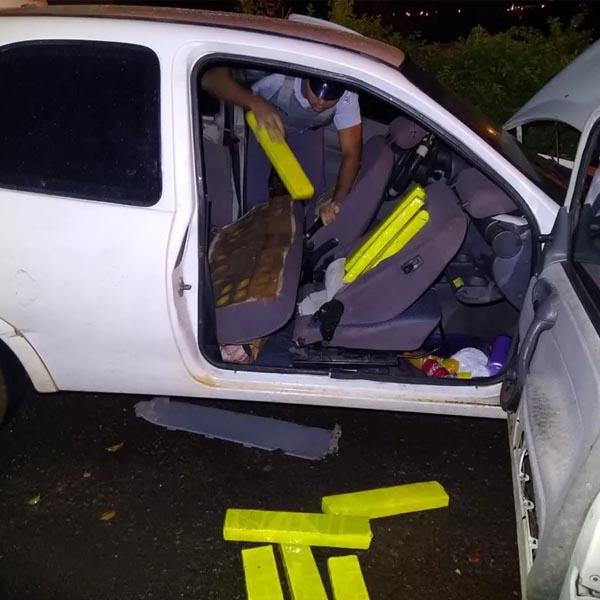 Mulheres são presas com tabletes de maconha escondidos dentro de carro em rodovia de Assis