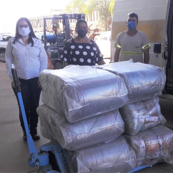 Inverno Solidário: Fundo Social entrega cobertores a mais de 30 famílias