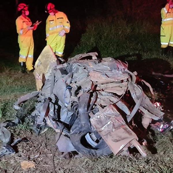 Advogado de 25 anos morre após bater carro na lateral de caminhão em Tupã