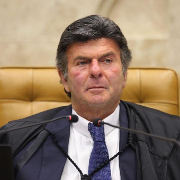 Marília terá que fechar o comércio após decisão de ministro do STF