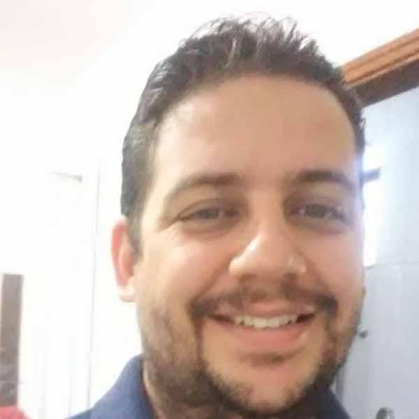 Ramon Barbosa recebe os parabéns pelo seu aniversário