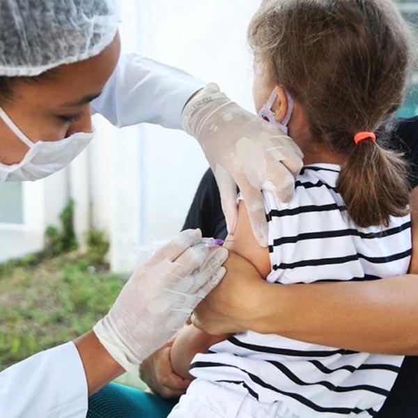 A partir desta quarta-feira (1º) pessoas de qualquer idade podem ser vacinadas contra gripe