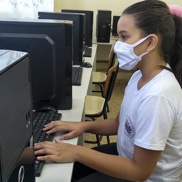 Escolas e laboratório de informática são beneficiados com emenda de vereador Márcio da São José
