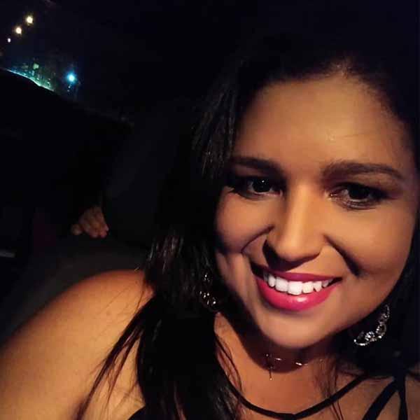 Patrícia Rocha recebe os parabéns pelo seu aniversário