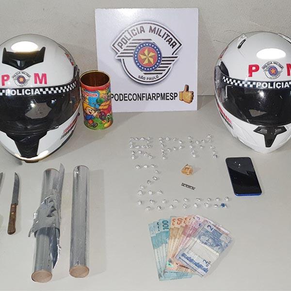 PM prende quatro pessoas após serem flagrados embalando drogas em Paraguaçu Paulista