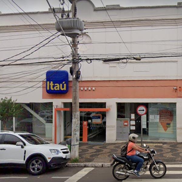 Suspeita de Covid em funcionária provoca interdição da agência do banco Itaú em Assis