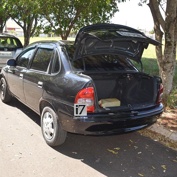 Mulher é sequestrada e encontrada pela PM trancada no porta-malas do carro em Paraguaçu