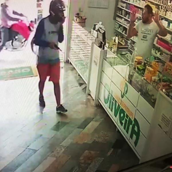 Dupla é presa após assaltar duas farmácias e um mercado em Paraguaçu Paulista