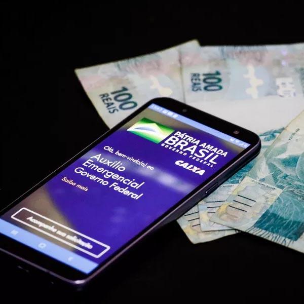 Auxílio Emergencial: governo divulga calendário de pagamentos de R$ 300 para beneficiários