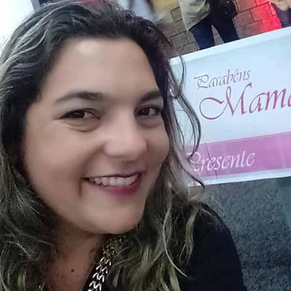 Micheli Barbosa  faz aniversário neste domingo!