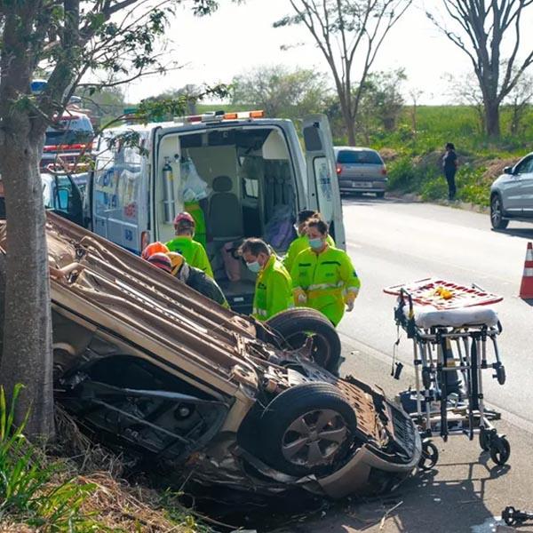 Motorista morre após capotamento em rodovia de Martinópolis
