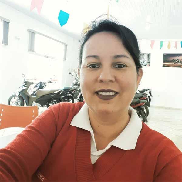Andreza Silva faz aniversário nesta segunda!
