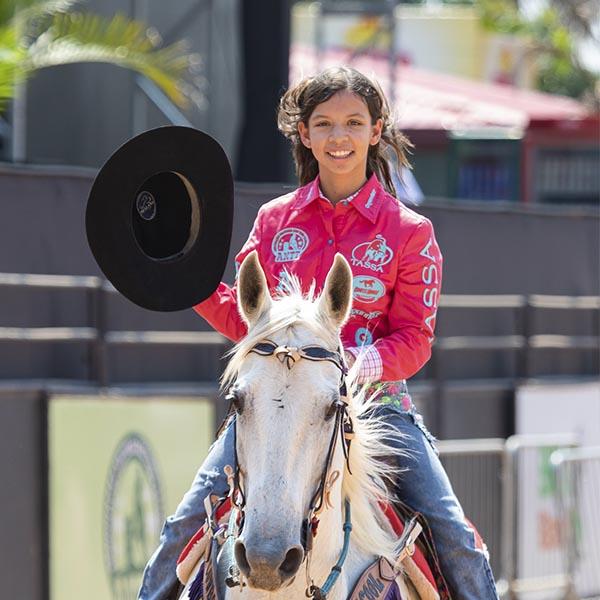 Jovem amazona de Paraguaçu, Eduarda Carrero, disputa título nacional de Três Tambores essa semana