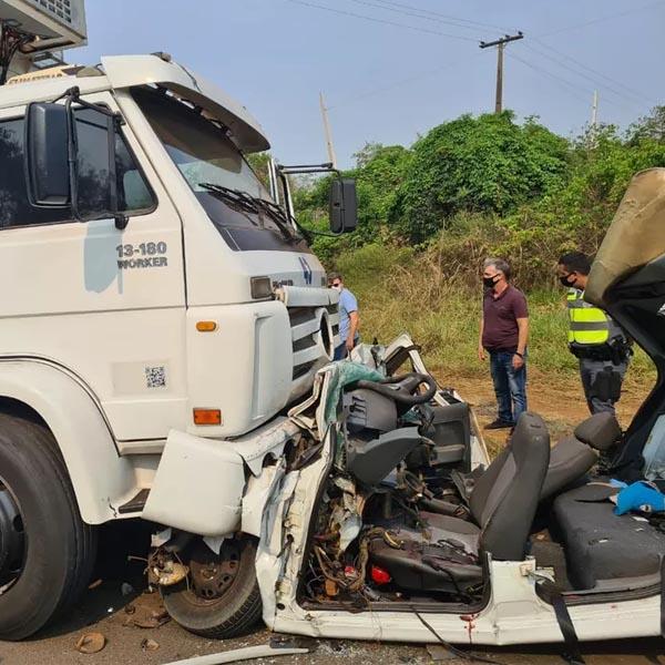 Carro de Maracaí se envolve em acidente que matou duas pessoas na rodovia Rancharia/Bastos