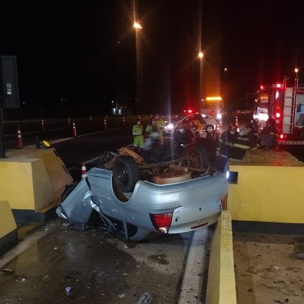 Morador de Maracaí morre ao chocar-se contra barreira de concreto em pedágio de Assis