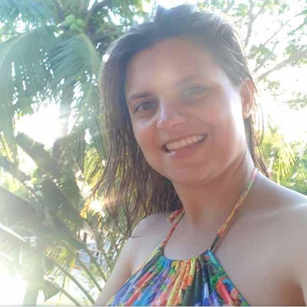 Aline Cristina Bazzo comemora mais um aniversário