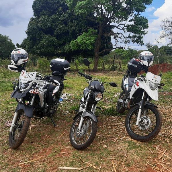 Moto furtada é encontrada abandonada atrás de barranco em Paraguaçu Paulista
