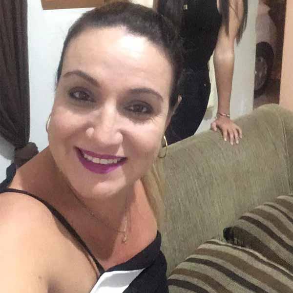 Andrea Araujo faz aniversário nesta terça!