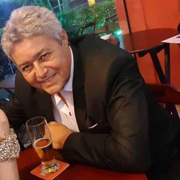 Gil Santos apaga velinhas nesta sexta