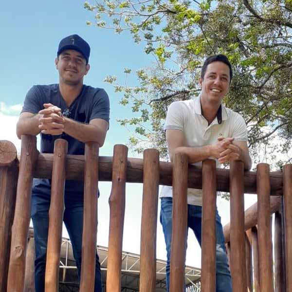 Os Gêmeos Daniel e Diego completa idade nova