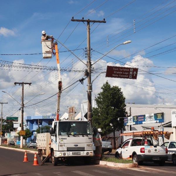 Conquista da ex-prefeita, praças públicas de Paraguaçu receberão luminárias de led
