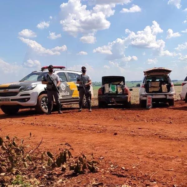 Polícia apreende dois carros com grande quantidade de maconha em rodovia da região