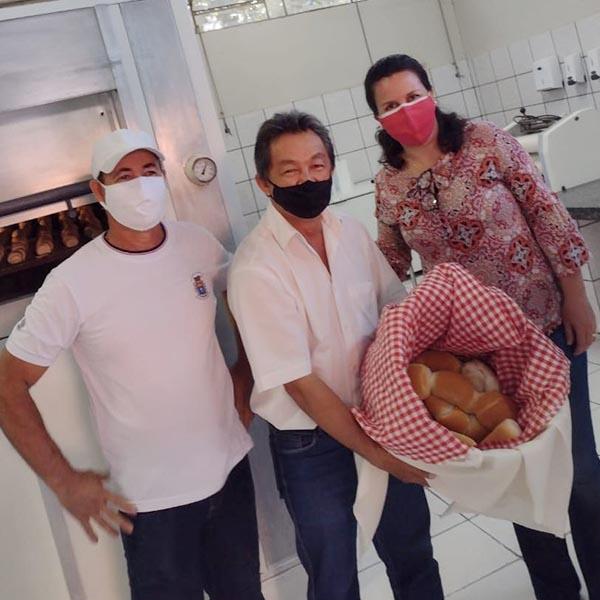 Prefeito Antian e Educação reinauguram a padaria da Divisão de Alimentos