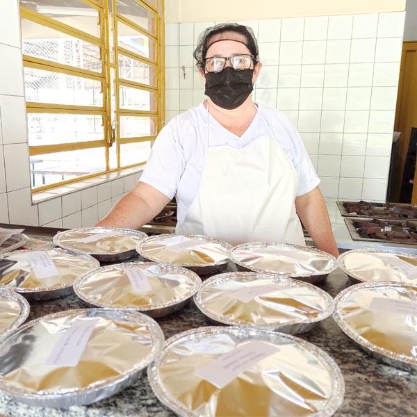 Marmitex alimenta quase 2 mil alunos da educação municipal de Paraguaçu