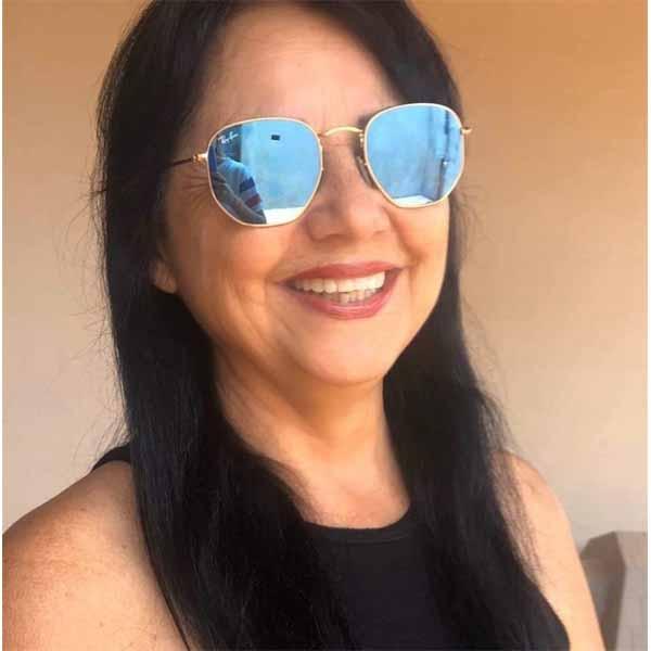 Olga Pontes apaga velinhas neste sábado